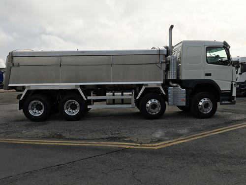 Insulated alloy Smoothline rigid chassis tipping body.