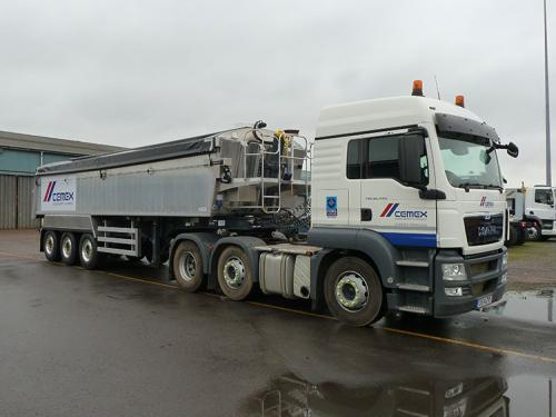 Aggregate tipping trailer, Straight frame chassis, Plankside, Sloping forward headboard, air locking taildoor.