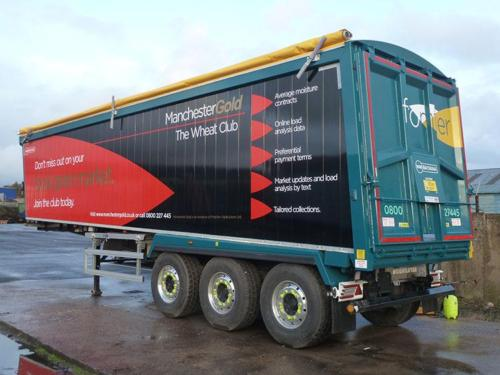 Bulk tipping trailer, Sloper frame chassis, Plankside, Sloping forward headboard, air locking taildoor.